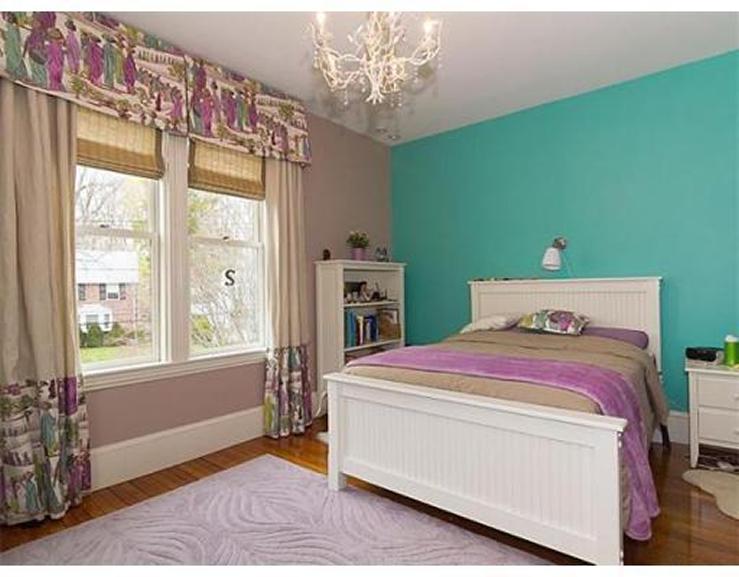 10-Waverley-Ave–Bedroom-739